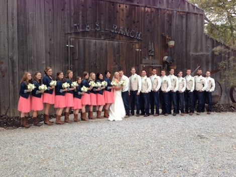 The largest wedding party yet poses in front of the barn.  Alissa and Ron sure have a lot of friends!!!!