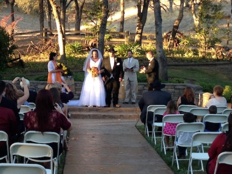 The newlyweds are announced.