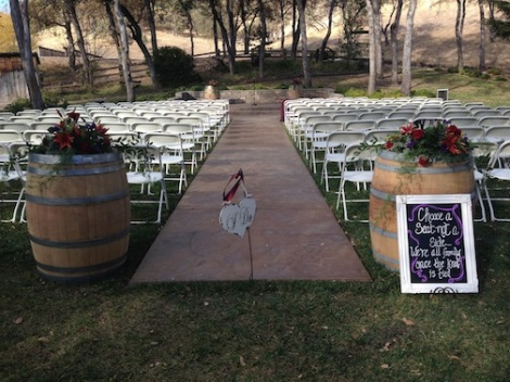 The use of barrels has been popular this year.  It goes so well with the rustic elegant vibe of the ranch.