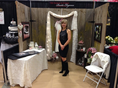 Me in my booth.  Teri from Affairs decorated and provided the flowers for my booth.  Love her to death!  Thanks Teri (=