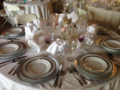 Very chic elegant table settings gave off such a great elegant vibe.  Truly stunning.